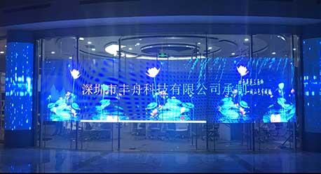 LED透明贴膜屏+软模组拼接圆柱屏+P1.25小间距LED显示屏-济南电视台项目