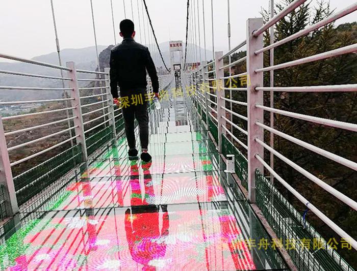透明玻璃栈道特效LED屏