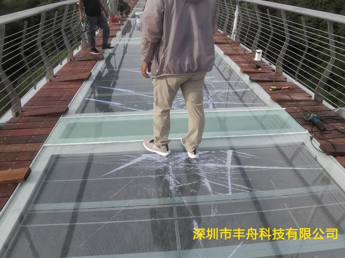 浙江台州 P3.91玻璃栈道特效屏43平方