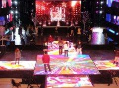 LED地砖屏让舞台的创意表现力又有了一个新的突破