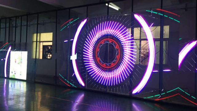 LED互动透明屏开启大屏显示新时代