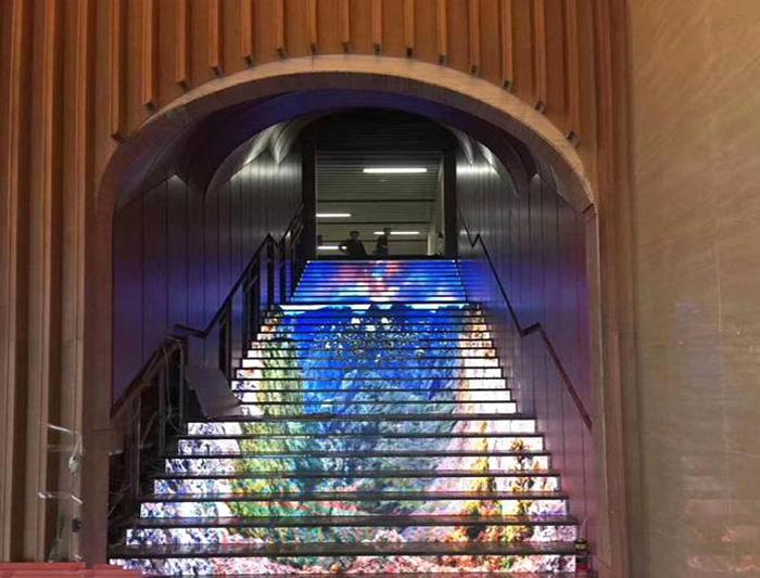 商场led楼梯屏
