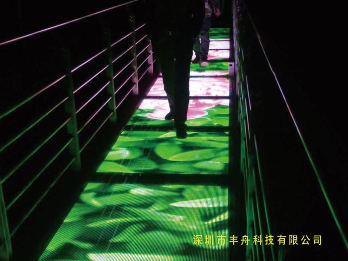 湖北十堰_led玻璃栈道透明屏项目